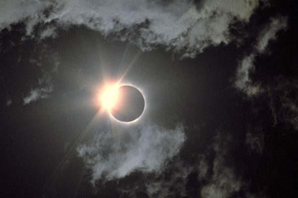 Habrá en Puebla 25 sedes  para observar el eclipse del próximo lunes