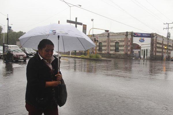 Seguirá lluvia en Puebla por onda tropical 29