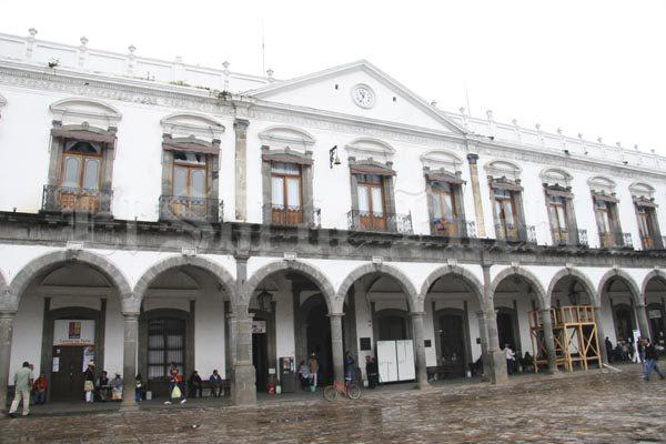 Amagan con tomar la alcaldía de Zacatlán durante el grito
