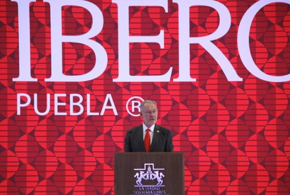 Rinde informe de labores el Rector de la Ibero Puebla