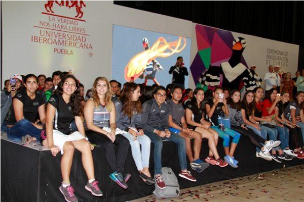 Ceremonia de inicio de cursos en la Ibero Puebla
