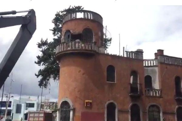 Inicia derribo parcial de inmuebles afectados por terremoto en Puebla capital