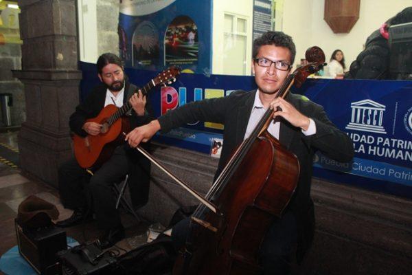 """""""Mil novecientos 30"""", un dúo que desea cautivar con la música instrumental"""