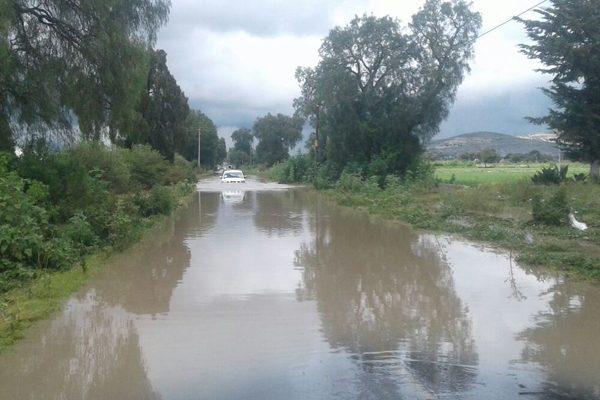 Se desborda barranca El Águila e inunda a Tepeaca y Tochtepec