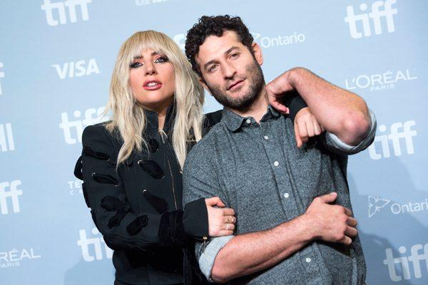 Lady Gaga es víctima de ella misma, se pone emocional y anuncia su retiro