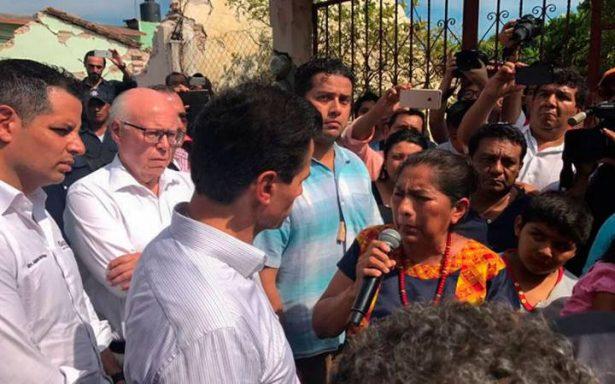 EPN confirma 61 muertos y daños en mil 140 escuelas por sismo