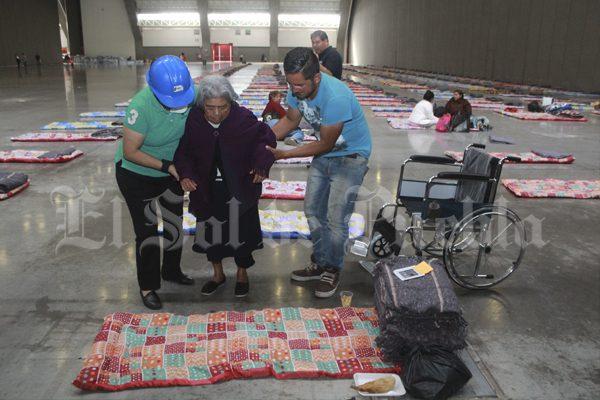 Pide presidenta SEDIF ayudar a damnificados por terremoto