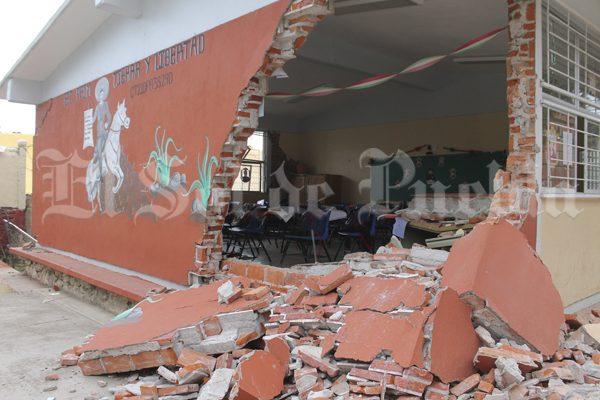 Sismo exhibe negligencias en remodelación de escuela de Tochimilco