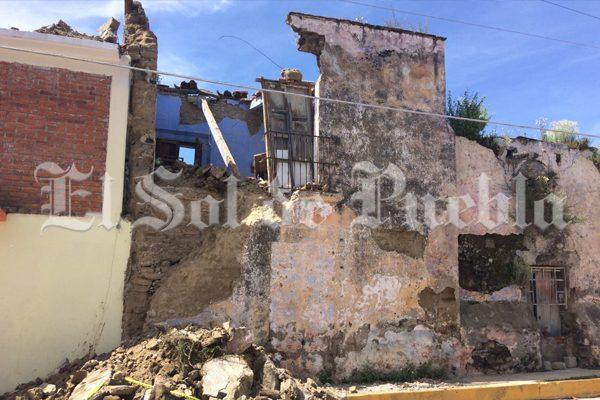 En riesgo de colapso se encuentran 40 casas en Calpan a causa del sismo