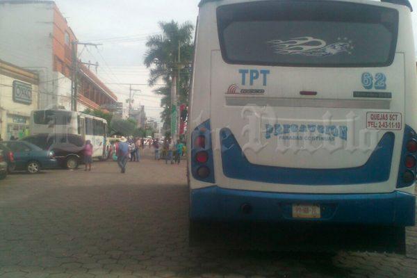 Trasladan a Puebla a familiares de presos evacuados de Izúcar tras el sismo