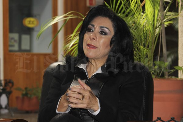 Contienda de mujeres reduciría guerra sucia: Lucero Saldaña