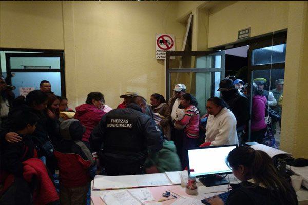 Deslaves y fallas eléctricas deja Katia en Huauchinango
