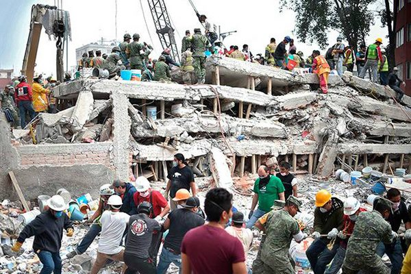 Suman 305 muertos por terremoto de 7.1 grados en México