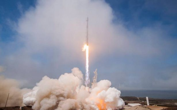 SpaceX realiza con éxito lanzamiento de mininave espacial secreta