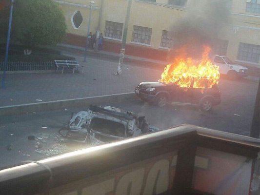 Queman auto del presidente municipal de San Juan Tianguismanalco