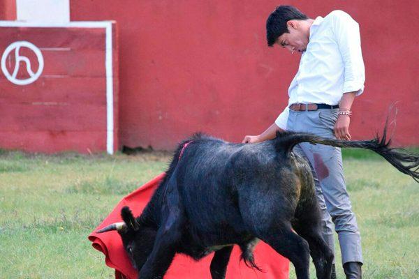 Reaparece en el campo Sergio Flores y está listo para Tlaxcala