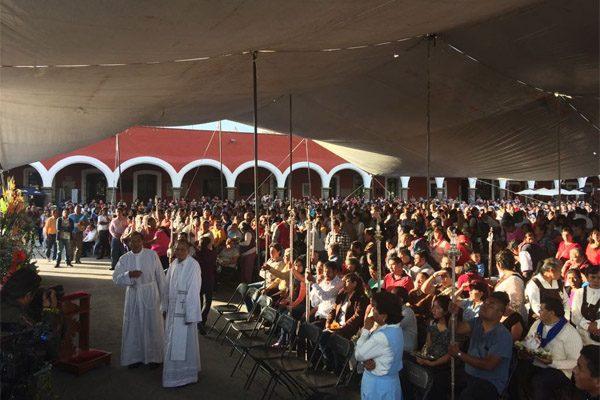 Realizan misa en Cholula para orar por damnificados por el sismo