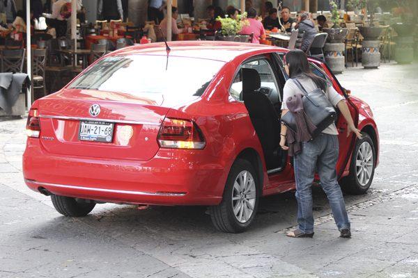 Reforma a Ley del Transporte endurece reglas para Uber y otras plataformas similares