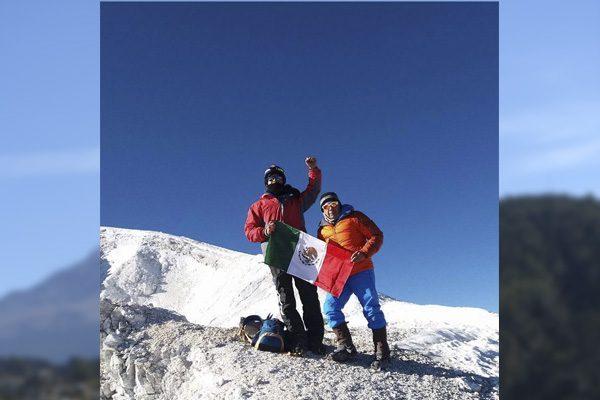 Analizan forma en que bajarán del Citlaltépetl el cadáver de alpinista