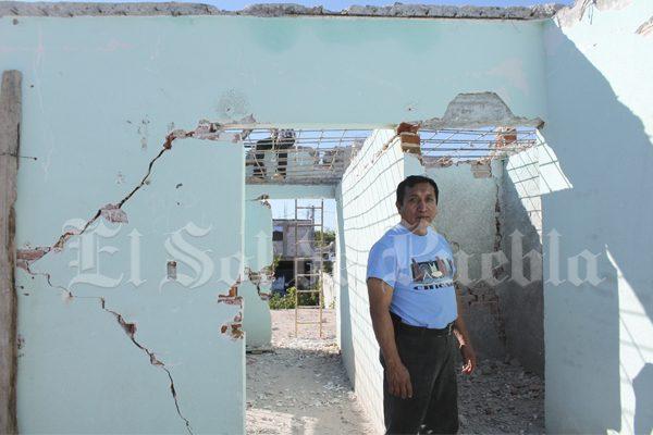 A dos meses del terremoto, damnificados aún no reciben tarjetas de apoyo