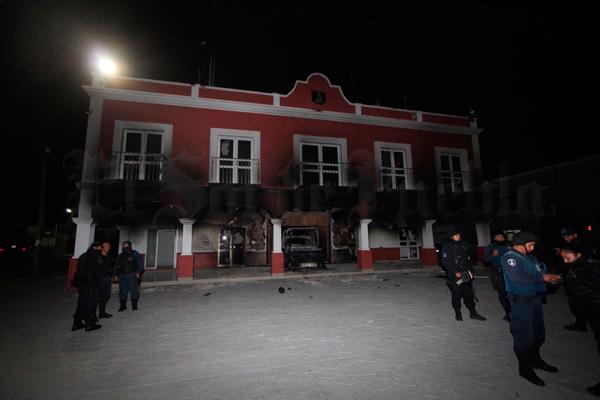 SSP evita linchamiento en Los Reyes de Juárez