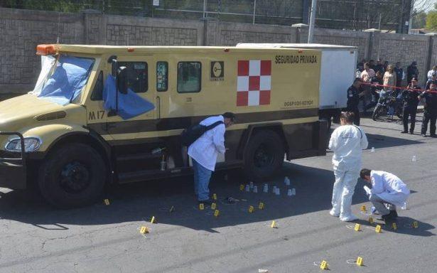 Aseguran vehículo utilizado en asalto a camioneta de valores