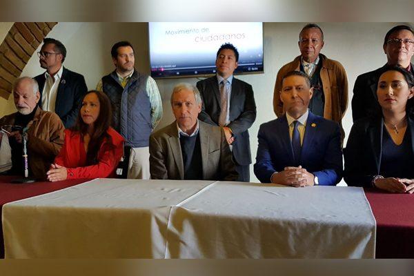 Presenta Cárdenas aspirantes independientes a diputaciones locales y alcaldías