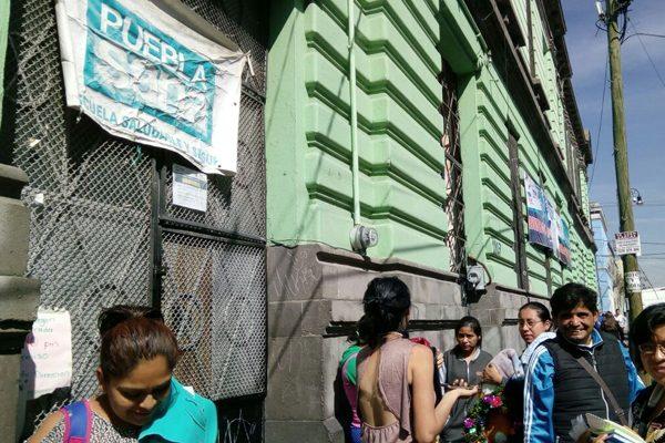 Recibían clases en edificio dañado por el sismo en Puebla