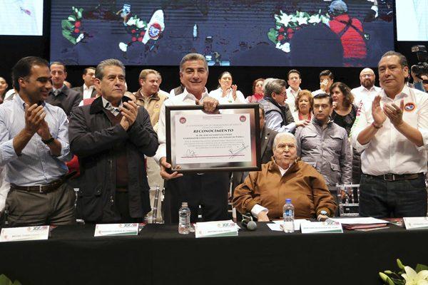 Inauguran Gali y Carlos Aceves congreso ordinario de la CTM