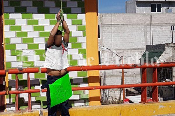 [Video] Amarran y golpean a presunto  ladrón en  Texmelucan