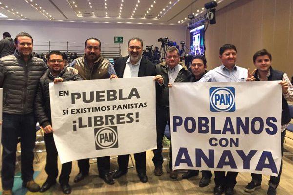 Disidentes poblanos del PAN acompañan a Ricardo Anaya en destape