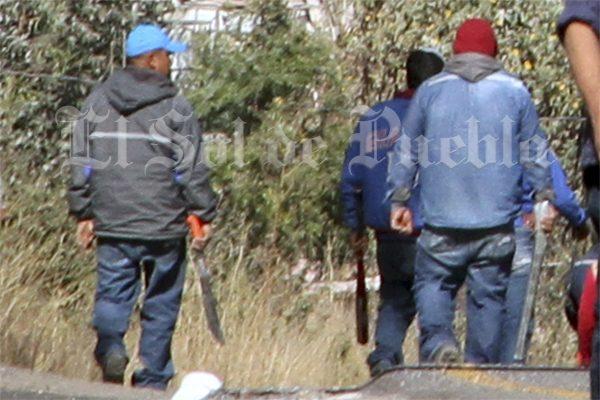 [Video] A pedradas, gaseros se disputan el territorio en Puebla capital