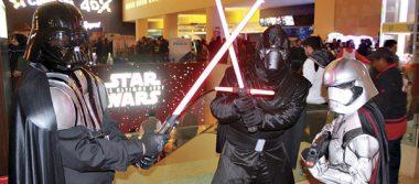 Con piel Jedi cientos de poblanos abarrotaron los cines