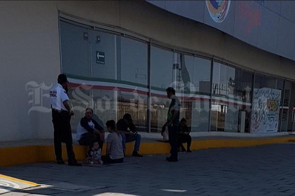 Asaltan a turistas canadienses en la México-Puebla