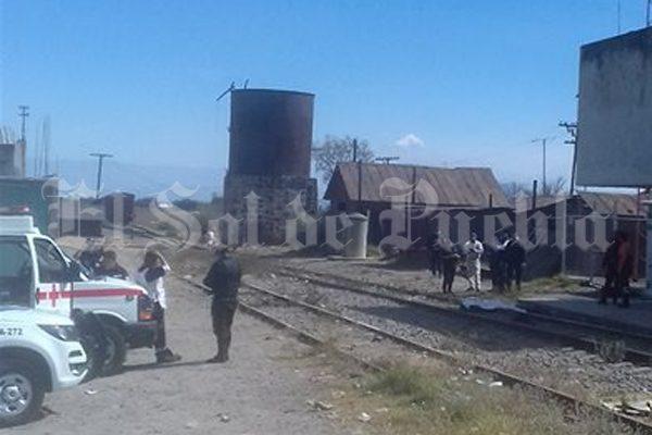 Muere policía auxiliar arrollado por el tren en Lara Grajales