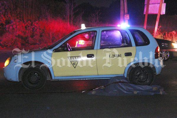 Muere atropellado por un taxi en la federal México-Puebla