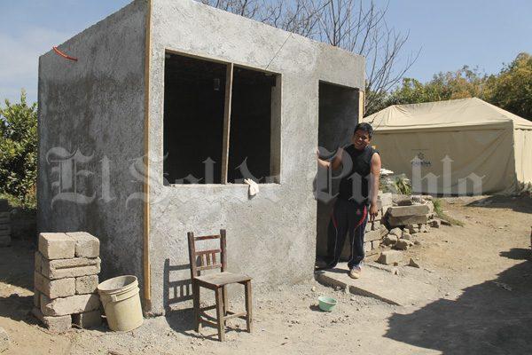 Con PET, levantan casas para afectados por terremoto en Tochimilco
