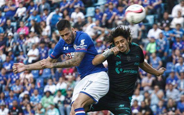 ¡Cruz Azul en problemas! Suspenden al delantero Edgar Méndez