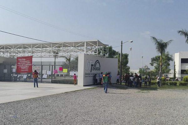 Suavizan demandas tras toma de Universidad Tecnológica de Tehuacán