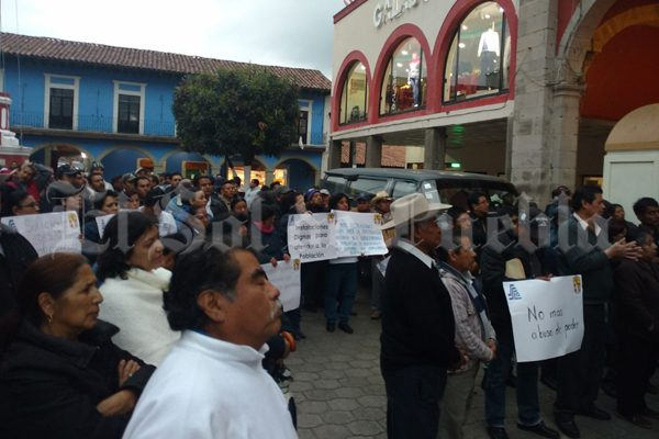 Se suma SME a protestas  de Salud en Huauchinango