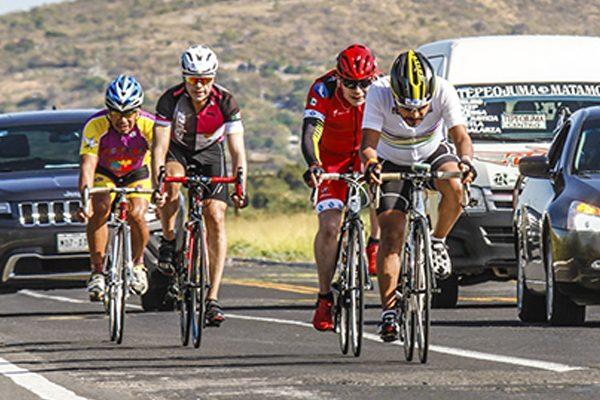 """Realizan 2ª edición de la carrera ciclista conocida como """"La Rompe Piernas"""""""