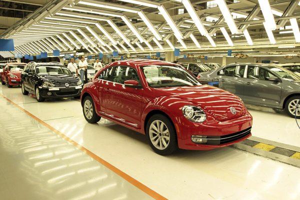 Caen 6 % las ventas de Volkswagen en México en 2017