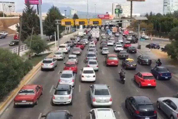 Exige la 28 de Octubre normalizar paso de transporte público frente al Mercado Hidalgo