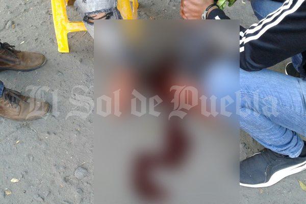 [VIDEO] Durante asalto, hieren de bala a cuentahabiente en Xonaca