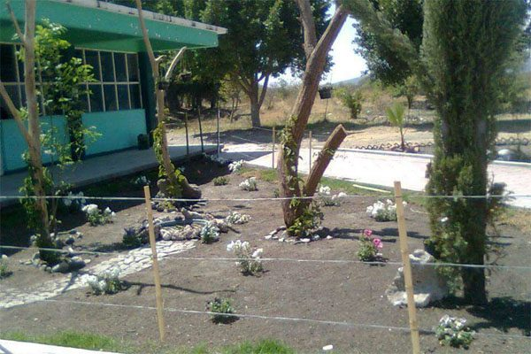 Reclaman tierras y desalojan a alumnos del CBTA en Molcaxac