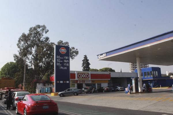 En Querétaro, aumento hasta de 21 centavos en gasolina