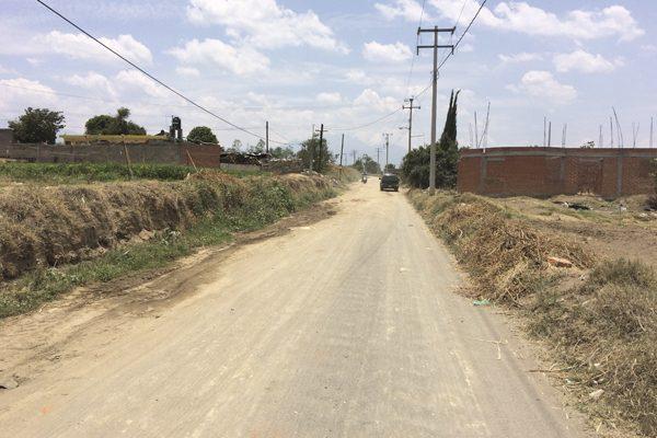 Exigen concluir obras en San Bernardino Tlaxcalancingo