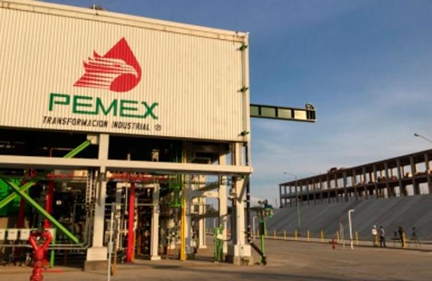Elevada carga fiscal llevó a Pemex a la insolvencia, revela Fitch Ratings