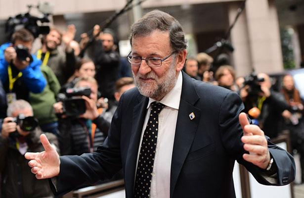 Rajoy se prepara para ser reelegido en el Ejecutivo español; promete diálogo