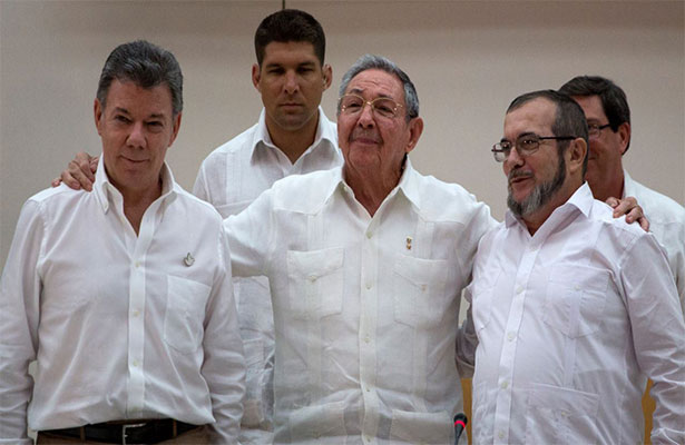 """Proceso de paz en Colombia """"puede pasar del limbo al infierno"""": FARC"""